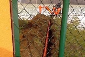 Výkop pro kanalizační svod