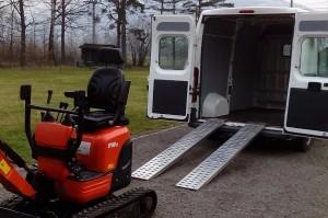 Dodávka pro převozu malého minibagru U10