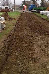 Příprava podkladu cesty pro zámkovou dlažbu